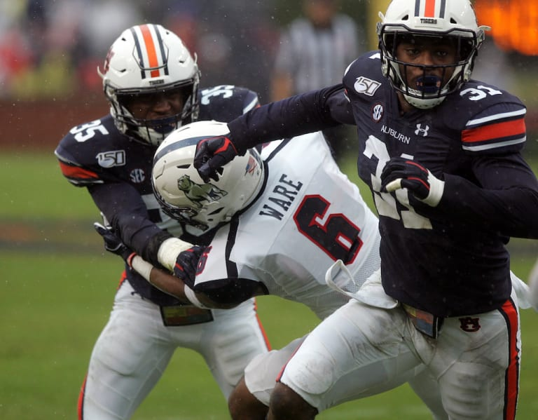 AuburnSports - Auburn senior LB will sit out 2020 season